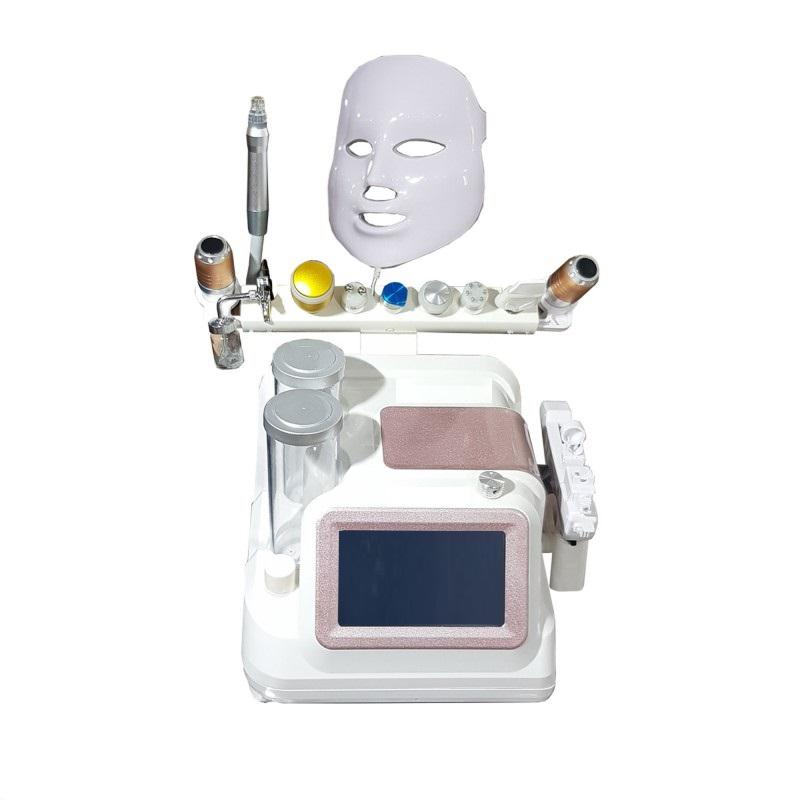 معرفیدستگاه هایفو وی مکس HIFU V-MAX دستگاه هایفو وی مکس HIFU V-MAXبه بهبود چین و چروک و کشش پوست کمک می کند و کلاژن را تشکیل می دهد. کلاژن مادهای است که به صورت طبیعی در بدن تولید می شود اما با بالارفتن سن و یا بیماریهای خاص، اختلالاتی در تشکیل آن به وجود میآید. بروز اختلال در تشکیل کلاژن باعث پیری زودرس و مشکلات پوستی خواهد شد. انرژی حرارتیدستگاه هایفو تراپیدر ℃۶۵ به لایه SMAS (سیستم عضلانی آپنهوروتیک سطحی) (حدود ۳٫۵mm ~ 4.5mm) در پوست صورت تحویل داده می شود و لایه عضله پوست را می پوشاند. علاوه بر این، V-MAX قادر به رفع چاقی و بهبود خط چانه است با شکستن لایه چربی در عمق ۱۰ الی ۲۰ میلی متر در پوست بدن است. دستگاه آکوافیشیال هایفو وی مکس آکوافیشیال بهترین دستگاه جوانسازی پوست آیا دستگاهآکوافیشیال 12 کارهواقعا قدرت و کارایی دارد؟ دستگاه آکوافیشیال 12 کاره همونطور که در بالا نیز به این مطلب اشاره کردیم دو لول ارتقا پیدا کرده یعنی هم از لحاظ کارایی به خودش سه دسته اضافه کرده و هم بدنه و قدرت موتور داخلی دستگاه با توجه به این امر دستگاه آکوافیشیال دسته هاش بیشتر شده بهبود پیدا کرده و به تعداد موتور های داخلی آن نیز اضافه شده است چون خود دو دسته هایفو تراپی آن یک دستگاه کامل هستند و درما اف فوق پیشرفته حسگر دار که یک تا سه میلیون موج تولید می کند. کامل کننده تمام دستگاهی های چند کاره فیشیالست، پس تا الان خیالمون از بابت قدرت دستگاه راحت شد و به جواب این سوال که آیا آکوافیشیال 12 کاره می تواند واقعا 12 کاره مختلف رو با کیفیت انجام بده رسیدیم. دسته های هایفو تراپی و درما اف فوق العاده قوی دستگاه جدید آکوافیشیال 12 کاره که سردمدار و پیشرو در زمینه ی جوانسازی و لیفتینگ پوست با توجه به تقاضا و نیاز روز افزون کلینیک ها و سالن های زیبایی هستند و این سیل عظیم از تقاضا بخاطر غیر تهاجمی بودن روش هایفو برای جوانسازی و لیفتینگ پوست است. دستگاه آکوافیشیال اما سوالی که پیش می آید این است کههایفو تراپیچیست؟چه کاربردهایی دارد؟آیا واقعاهایفو تراپیجوابگو هست یا خیر؟ جهت خرید آکوافیشیال با ارزانترین قیمت و بالاترین کیفیت ممکن میتوانید به فروشگاه سایان مراجعه کنید. کمپانی سایان سعی کرده همیشه به روز باشد و از آکوافیشیال 6 کاره و آکوافیشیال 7 کاره و آکوافیشیال 8 کاره و آکوافیشیال 9 کاره فروش 